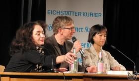 v.l.: Mechthild Großmann, Dolmetscher/Interviewer, Tess Gerritsen